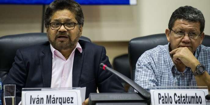 Le chef des FARC, Ivan Marquez, s'exprime lors d'une conférence de presse le 19 janvier 2016 à La Havane, la capitale cubaine.
