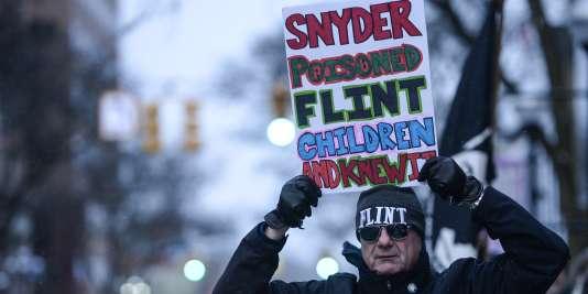 A Flint, le 18 janvier 2016. Les appels à la démission du gouverneur se multiplient.