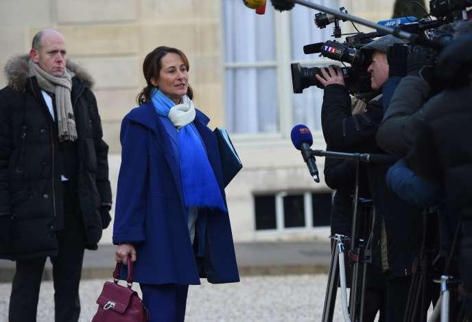 La ministre de l'écologie, Ségolène Royal, sort de l'Elysée le 20 janvier 2016, à Paris.