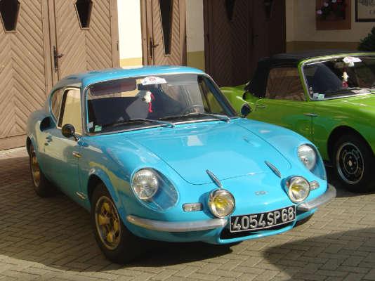 Moins puissantes et moins viriles que les Alpine Renault, les CG présentaient l'avantage d'être plus légères. Ici un coupé 1200 S.