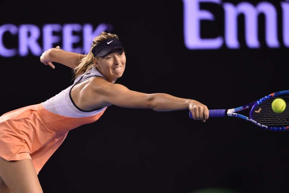 Pas de problème non plus pour la Russe Maria Sharapova, finaliste sortante, qui a battu la Biélorusse Aliaksandra Sasnovich (105e mondiale) en deux sets : 6-2, 6-1.