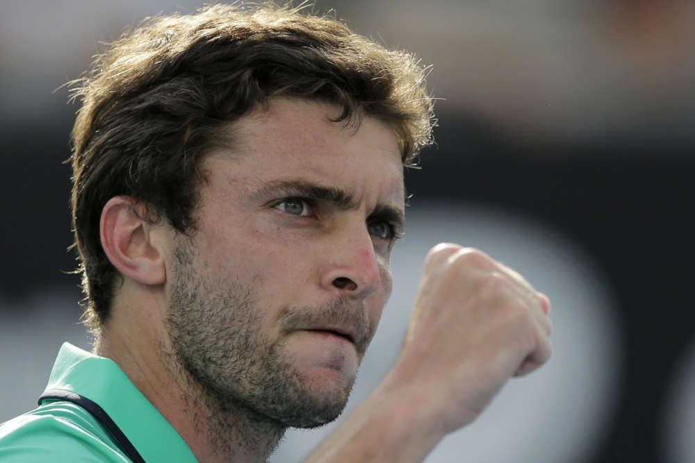 Gilles Simon a souffert face au Russe Evgeny Donskoy. Le Français s'est finalement imposé après près de quatre heures de jeu, en cinq sets, 6-3, 5-7, 7-6, 4-6, 7-5.