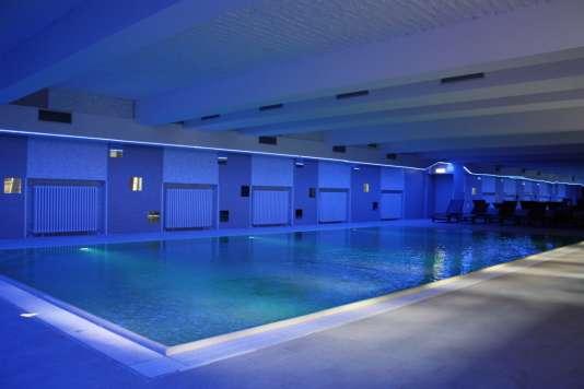 La piscine intérieure du Plus Hotel à Berlin.