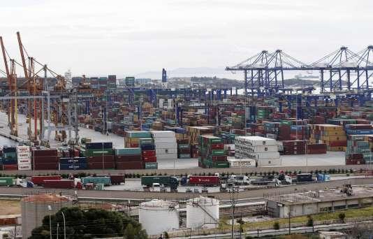 Seul en lice, le groupe Cosco a emporté avec une offre sur le port d'Athène de 368,5millions d'euros.