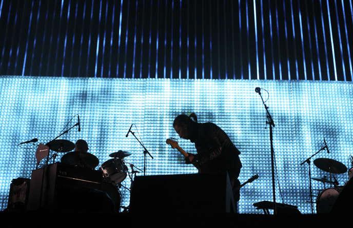 Radiohead lors d'un concert au festival Coachella, en Californie, le 14 avril 2012.