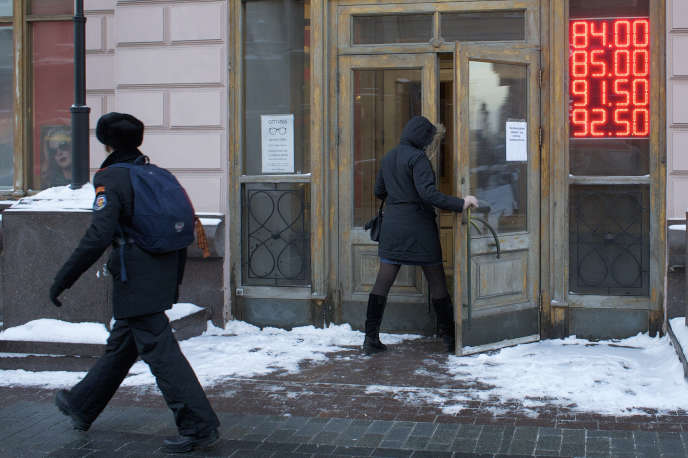 Un bureau de change à Moscou, le 21 janvier.