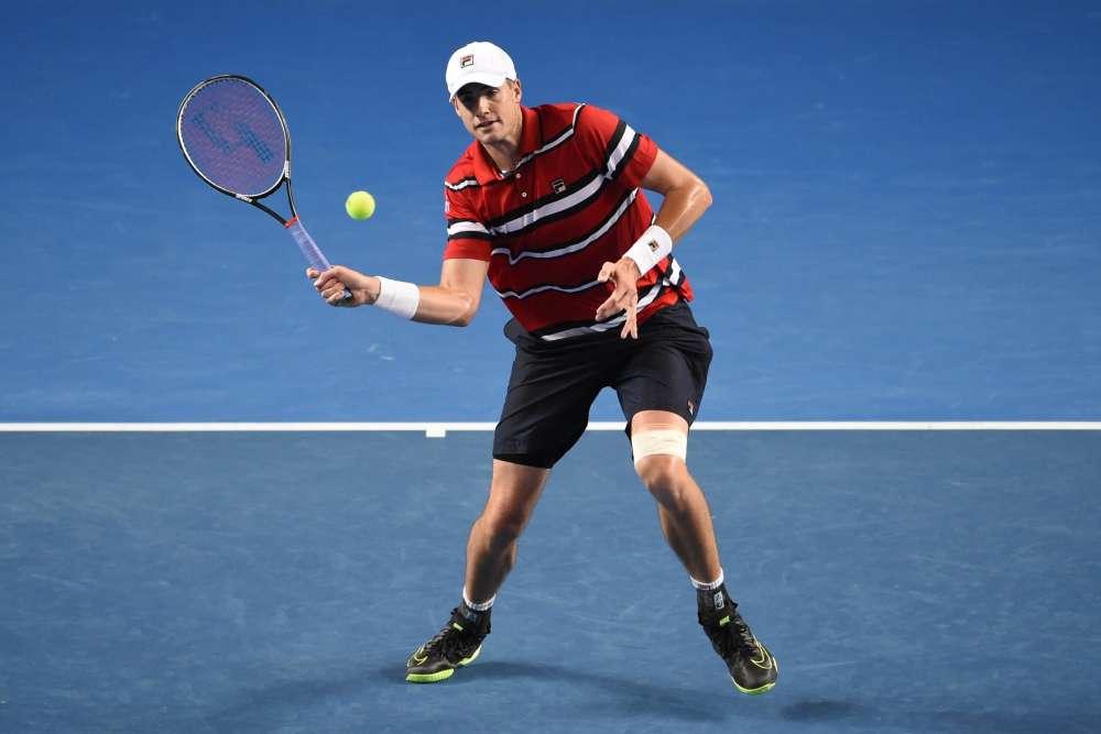 L'Américain John Isner (tête de série n° 10) a battu l'Espagnol Marcel Granollers en trois sets : 6-3, 7-6 (8/6), 7-6 (7/2).