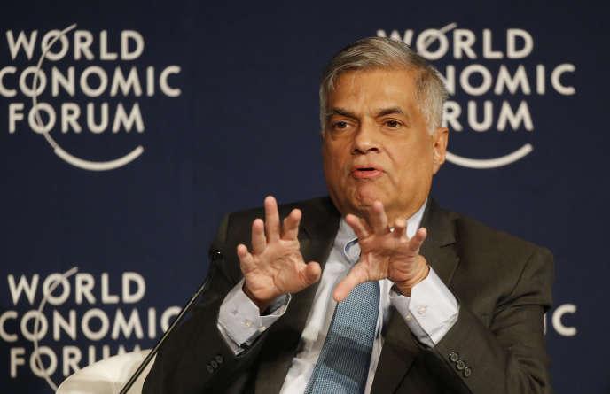 Le premier ministre du Sri Lanka Ranil Wickremesinghe (ici à Davos, le 21 janvier 2016) a appelé