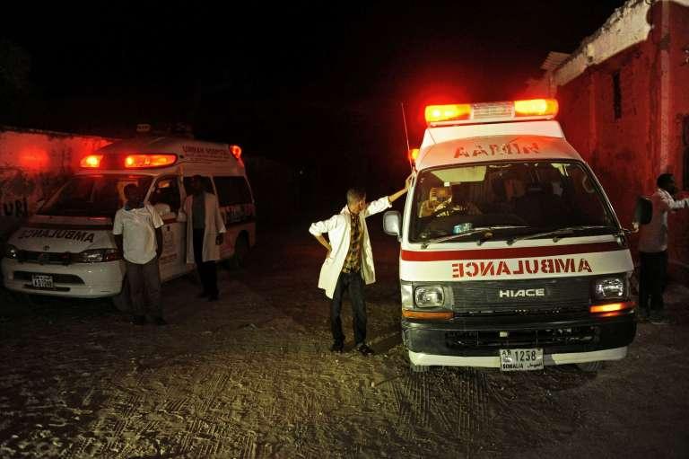 Deux ambulances à proximité des lieux de l'explosion, jeudi 21 janvier.