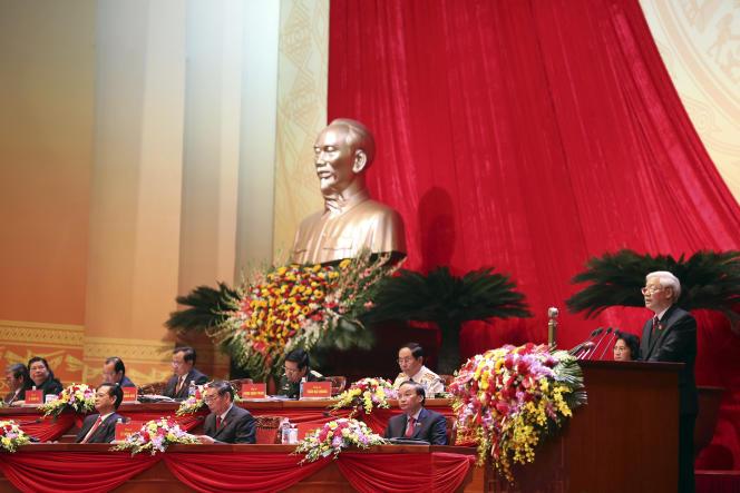 Le secrétaire général du Parti communiste vietnamien, Nguyen Phu Trong, prend la parole à l'ouverture du congrès du PCV, jeudi 21 janvier, à Hanoï.