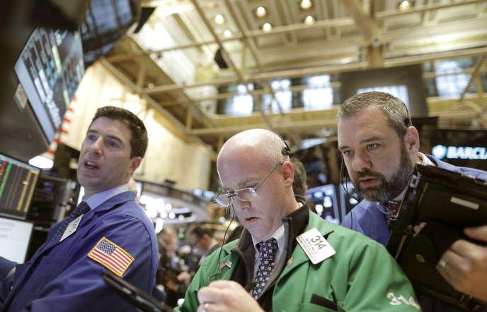 A la Bourse de New York, le 15 janvier. En moins de trois semaines, les marchés mondiaux ont perdu près de 10%
