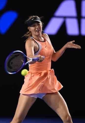 La Russe Maria Sharapova a eu besoin de quatre sets pour se défaire de l'Américaine Lauren Davis et finalement l'emporter 6-1, 7-6 (7/5), 6-0.