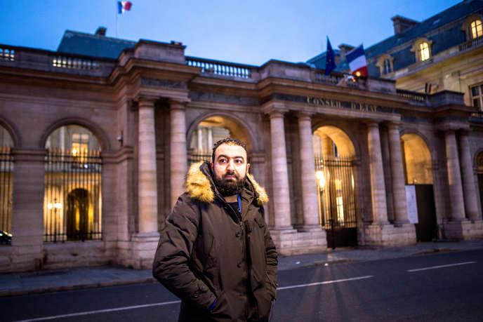 Halim A. le 19 janvier 2016, après son audience au Conseil d'Etat. Il avait alors obtenu une dérogation à ses pointages quotidiens pour pouvoir venir se défendre devant le juge des référés.