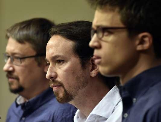 Les embres de Podemos Xavi Domenech, Pablo Iglesias et Inigo Errejon, le 22 janvier.