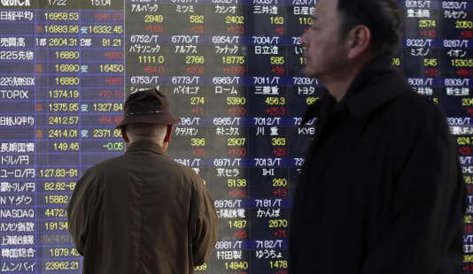 Les marchés mondiaux ont de nouveau connu une journée noire, lundi 9 février, et peinaient à se reprendre mardi.