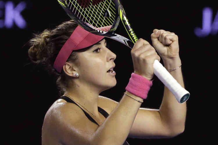 La Suissesse Belinda Bencic est la première qualifiée pour les huitièmes de finale de l'Open d'Australie, après sa victoire sur l'Ukrainienne Kateryna Bondarenko en trois sets (4-6, 6-2, 6-4).