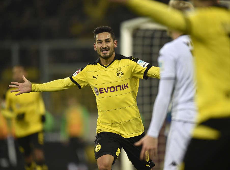 Gündogan, Mkhitaryan et Reus sont les buteurs du Borussia Dortmund samedi face au Borussia Moenchengladbach(3-1). Les joueurs en jaune et noir s'accrochent toujours derrière le Bayern, à 8points du leader.