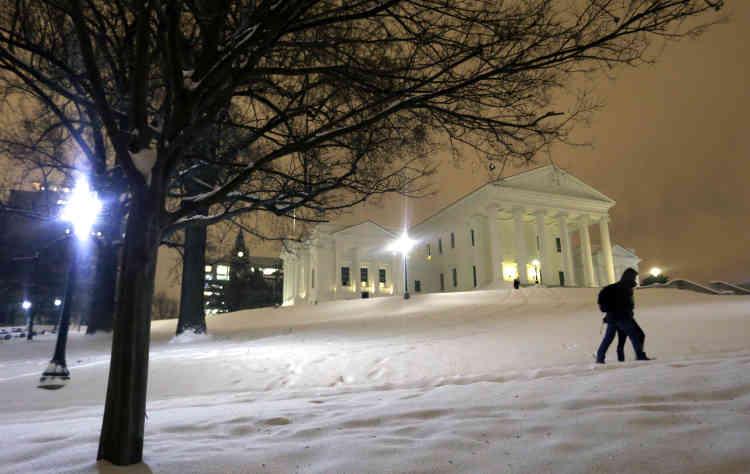 La Virginie, dont on voit ici le parlement, a mobilisé plusieurs centaines de membres de la garde nationale pour les secours.