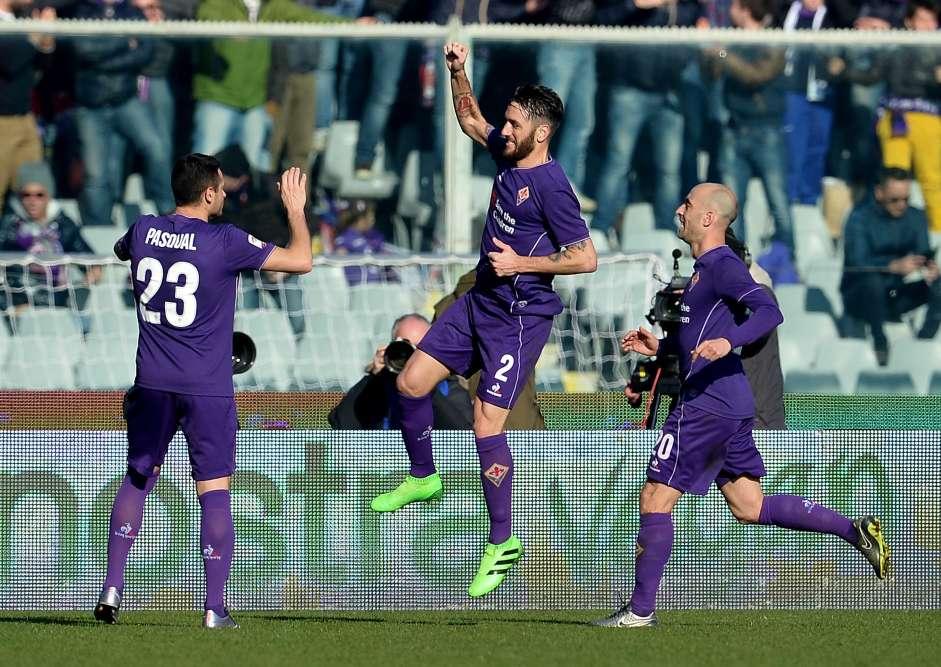 La Fiorentina poursuit elle aussi son excellente saison. Les Florentins ont battu le Torino(2-0) et occupent la troisième place, avec 41points, grâce au match nul de l'Inter à domicile contre Carpi(1-1).
