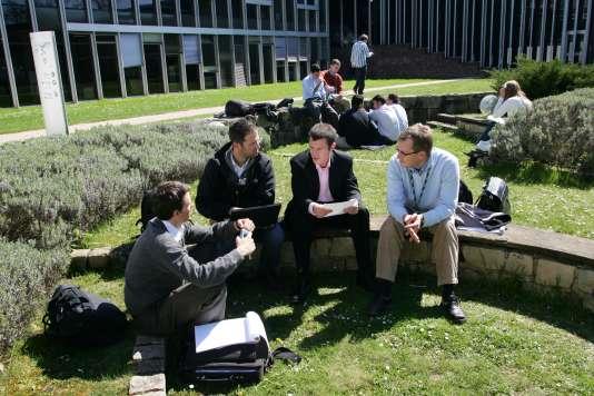 Participants au MBA de l'Insead (Institut européen d'administration des affaires), à Fontainebleau (Seine-et-Marne).