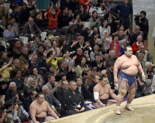 Kotoshogiku a remporté dimanche24janvier le Grand Tournoi du Nouvel An.
