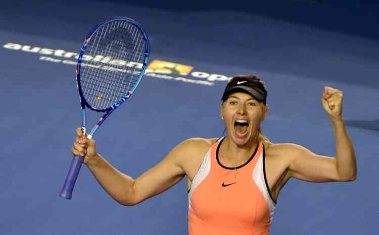 La Russe Maria Sharapova, tête de série n°5, s'est qualifiée en battant la Suissesse Belinda Bencic (n°12) en deux sets : 7-5, 7-5.