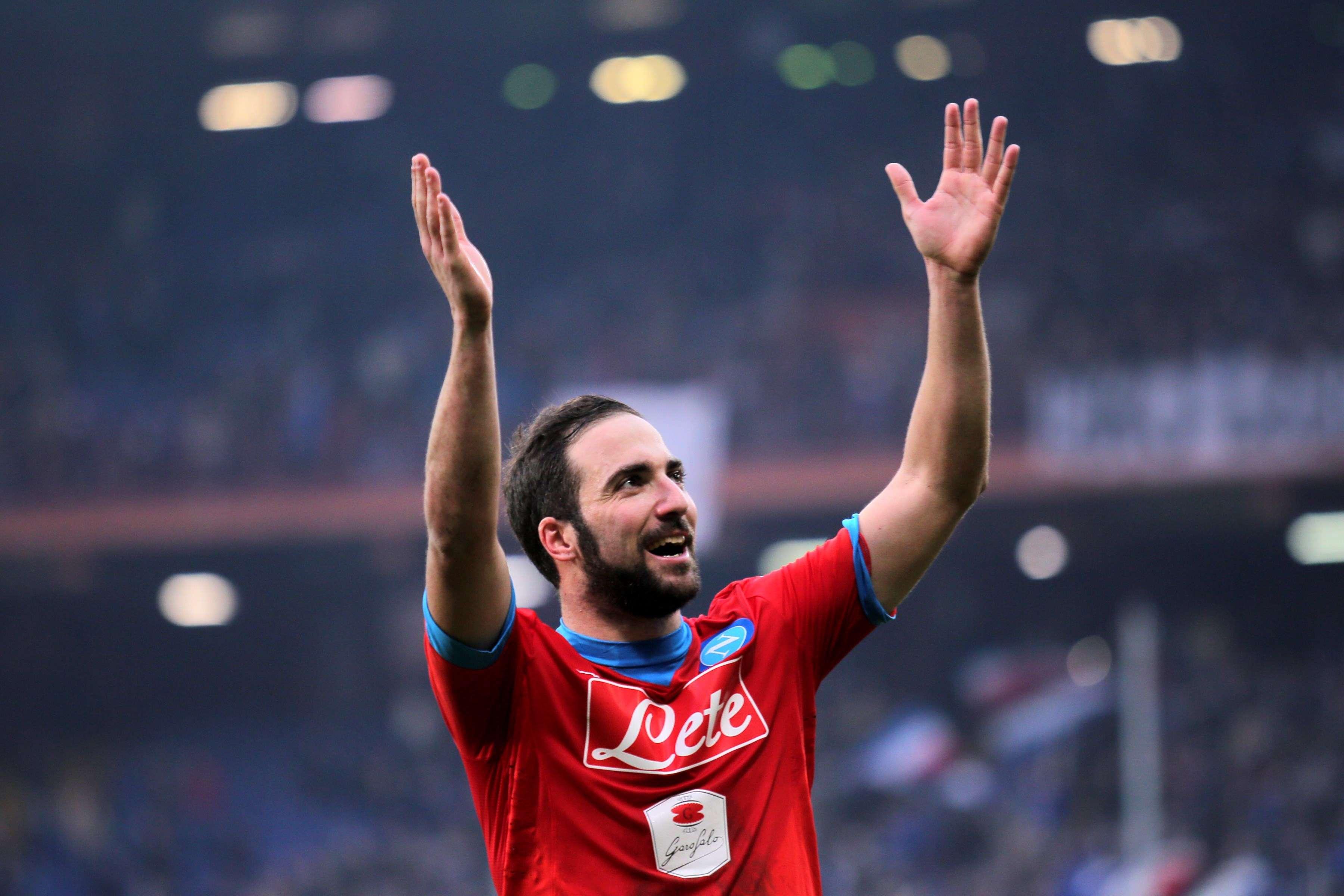 Gonzalo Higuain a encore marqué lors de la vingt-et-unième journée de Serie A. Naples s'impose 4à2 à Gênes face à la Sampdoria. Les Napolitains sont en tête, avec 47points.