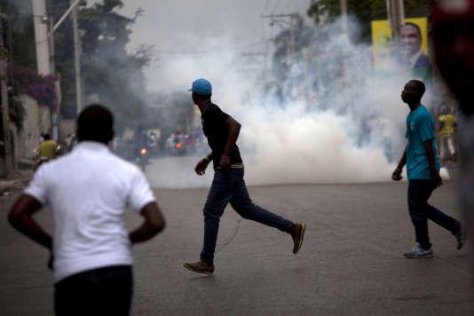 Manifestation dans une rue de Port-au-Prince, le 24 janvier.