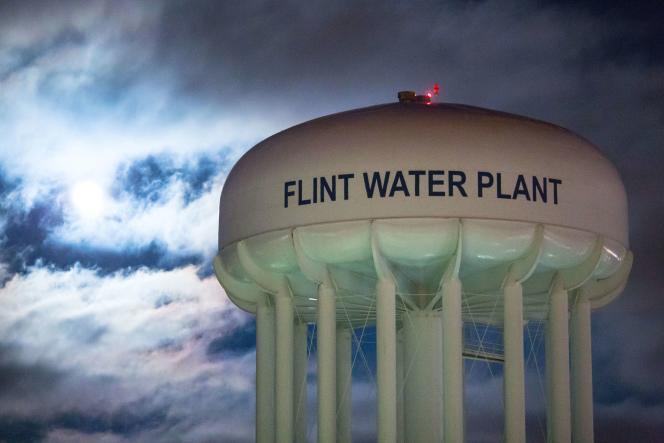 L'état d'urgence a été déclaré dans la ville de Flint (Michigan) à la suite d'une contamination de son réseau d'eau par du plomb.