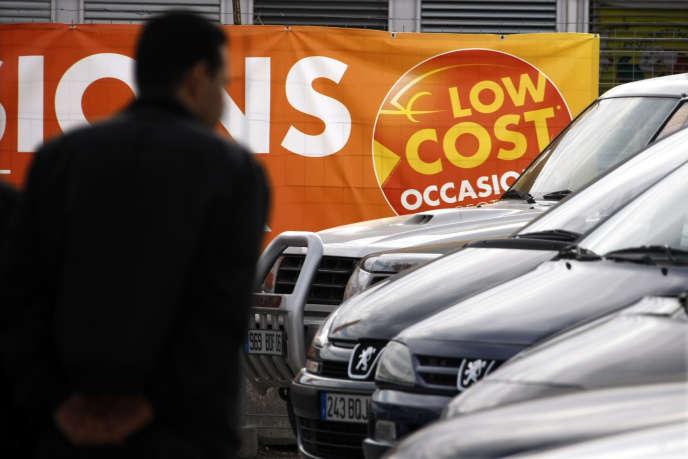 A une vente de voitures d'occasion à Nice, en octobre 2008.