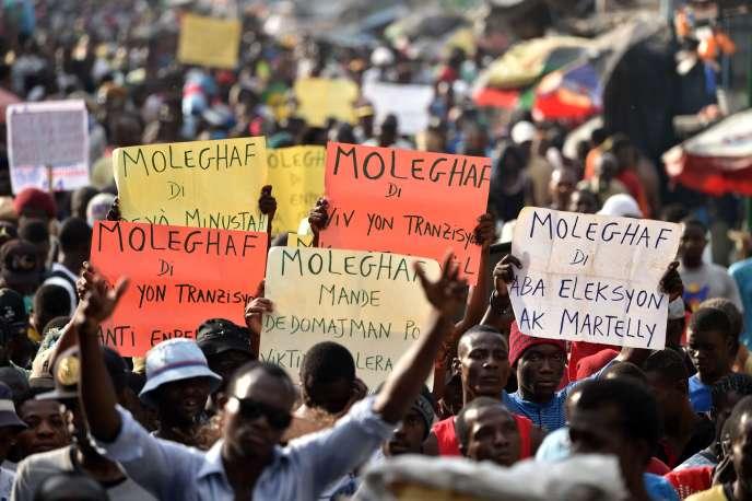 Manifestation pour demander la démission du président Michel Martelly, à Haïti, le 25 janvier.