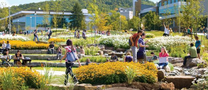 Chaque année, 10 000 étudiants français partent faire leurs études au Québec, comme ici à l'université de Sherbrooke.