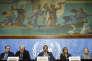 Yacoub El Hillo, le représentant résident de la Syrie à l'ONU, John Ging, le directeur des opérations humanitaires de l'ONU, Jan Egeland, le secrétaire général du conseil norvégien des réfugiés, Hanna Singer, la représentante de l'UNICEF en Syrie et Elizabeth Hoff, représentante de l'OMS en Syrie à une conférence de presse sur la situation humanitaire en Syrie, au siège de l'ONU, à Genève, le 26 janvier 2016.