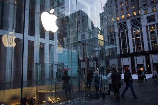 Le Apple Store de la cinquième avenue à New York le 26 janvier 2016.