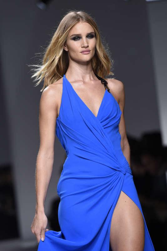 Une femme amazone selon Donatella Versace.