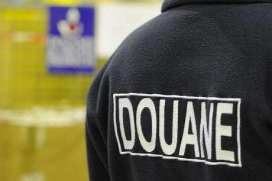 Les cinq douaniers en garde à vue appartiennent à la DNRED, le service de renseignement de la douane.