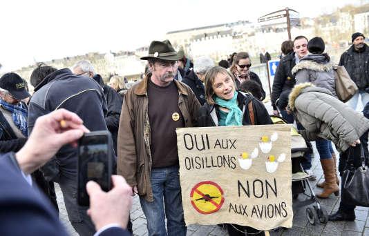"""Sylvain Fresneau, l'un des agriculteurs """"historiques"""" de Notre-Dame-des-Landes, avec son épouse, sont sous le coup d'une expulsion ordonnée par le tribunal de Nantes, le 25 janvier."""