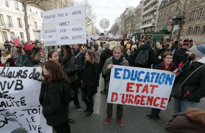 Manifestation contre la réforme du collège, à Paris, le 26 janvier 2016.