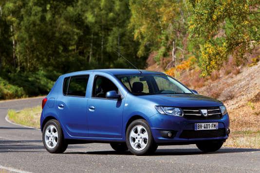 La Dacia Sandero 1.2 est la voiture la moins chère du marché au kilomètre : 0,45 €.