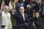François Hollande, entouré du premier ministre et du président indiens, Narendra Modi et Pranab Mukherjee, le 26 janvier.