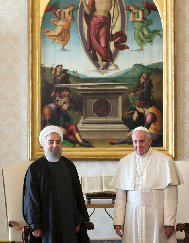 Le président iranien Hassan Rohani, reçu par le pape François, au Vatican, mardi 26 janvier.