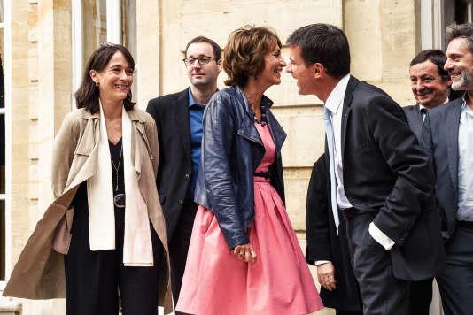 Au premier plan, Delphine Ernotte, présidente de France télévisions, Marisol Touraine, ministre des affaires sociales, de la santé et des droits des femmes, et le premier ministre, Manuel Valls.