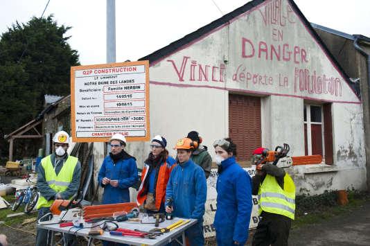 Conférence de presse autour des appels d'offre de mise par les opposants au projet, le 27 janvier.