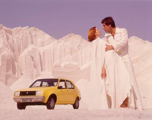 Mars 1976 : une publicité pour le nouveau modèle de Renault, la R14.