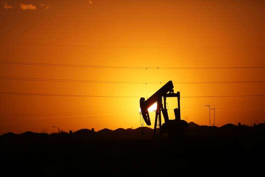 Les cours du pétrole connaissent un nouvel accès de faiblesse alors même que d'un point de vue physique, le marché avait commencé à se rééquilibrer.