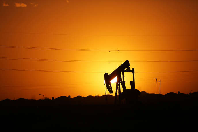 En 2015, environ 300000 personnes travaillaient dans l'industrie du pétrole et du gaz au Texas. Soit 50% de plus qu'en 2011.