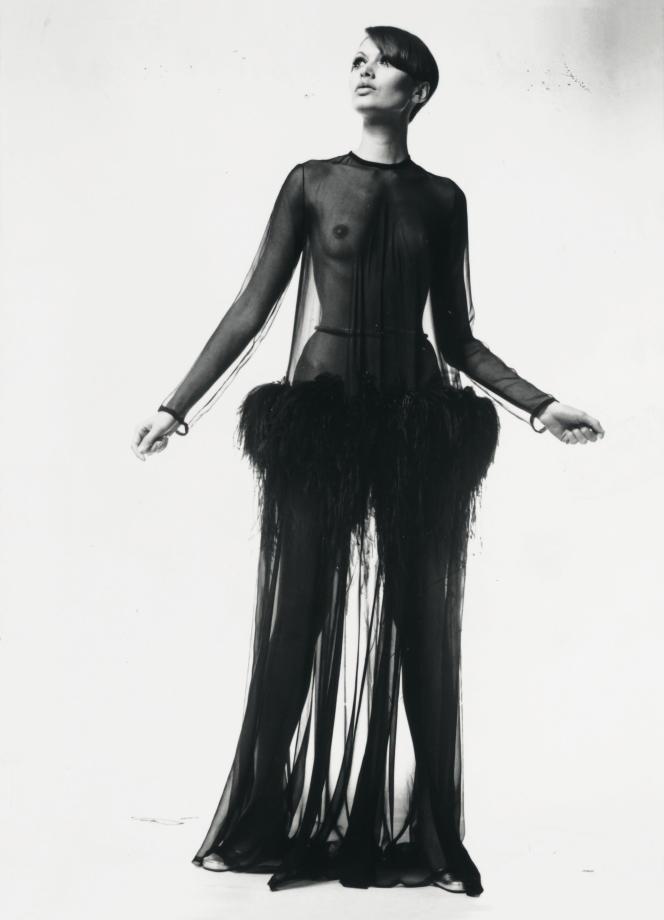 Robe longue Yves Saint Laurent, collection haute couture automne-hiver 1968.