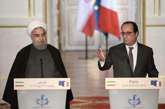 Le président iranien, Hassan Rohani, en déplacement en France, reçu par le président François Hollande.