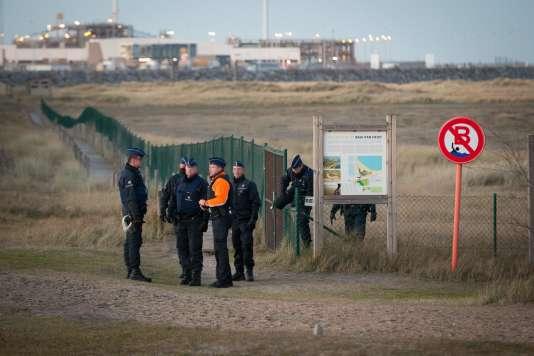 Patrouilles le long de la côte de la mer du Nord, à Zeebruges, en Belgique, le 28 janvier.