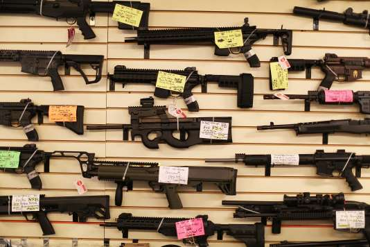 Des armes à feu en vente à Delray Beach en Floride, le 5 janvier 2016.